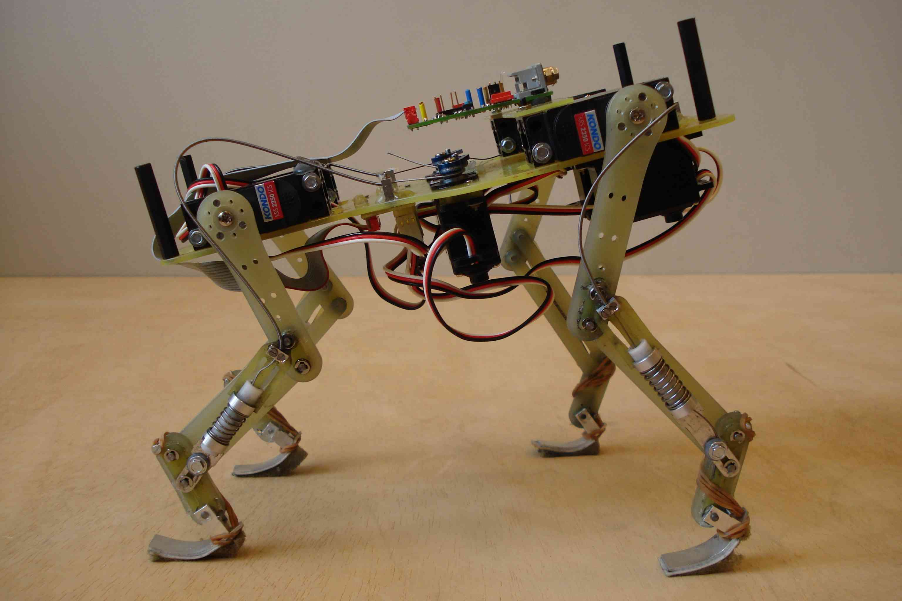 Движущиеся роботы своими руками